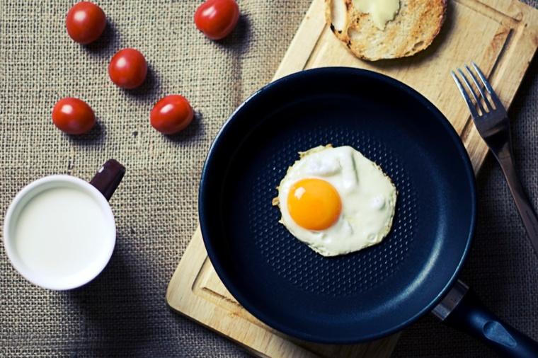 food-breakfast-egg-milk-large