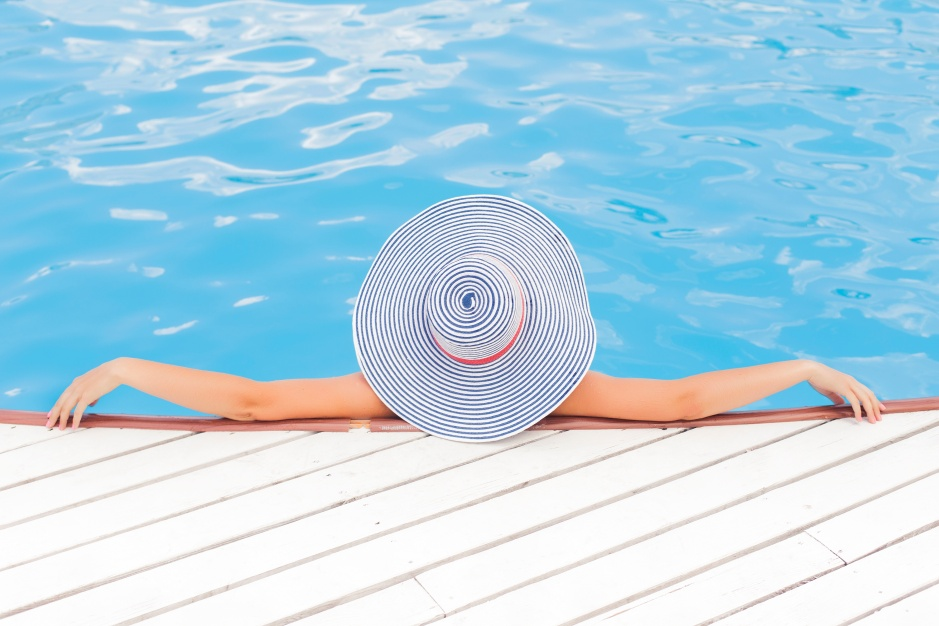 Most of us spend hours online searching for the perfect swimsuit and researching the perfect hairstyle, but did you ever stop to think of researching how to protect your hair from the chlorine?